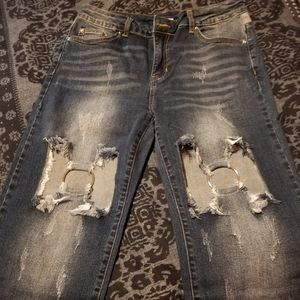 Distressed Ring Jeans